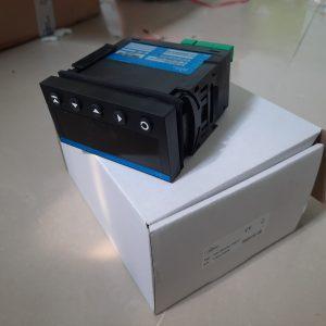 Bộ điều khiển nhiệt OM352UNI-1A211