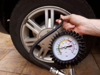 Đo áp suất lốp xe